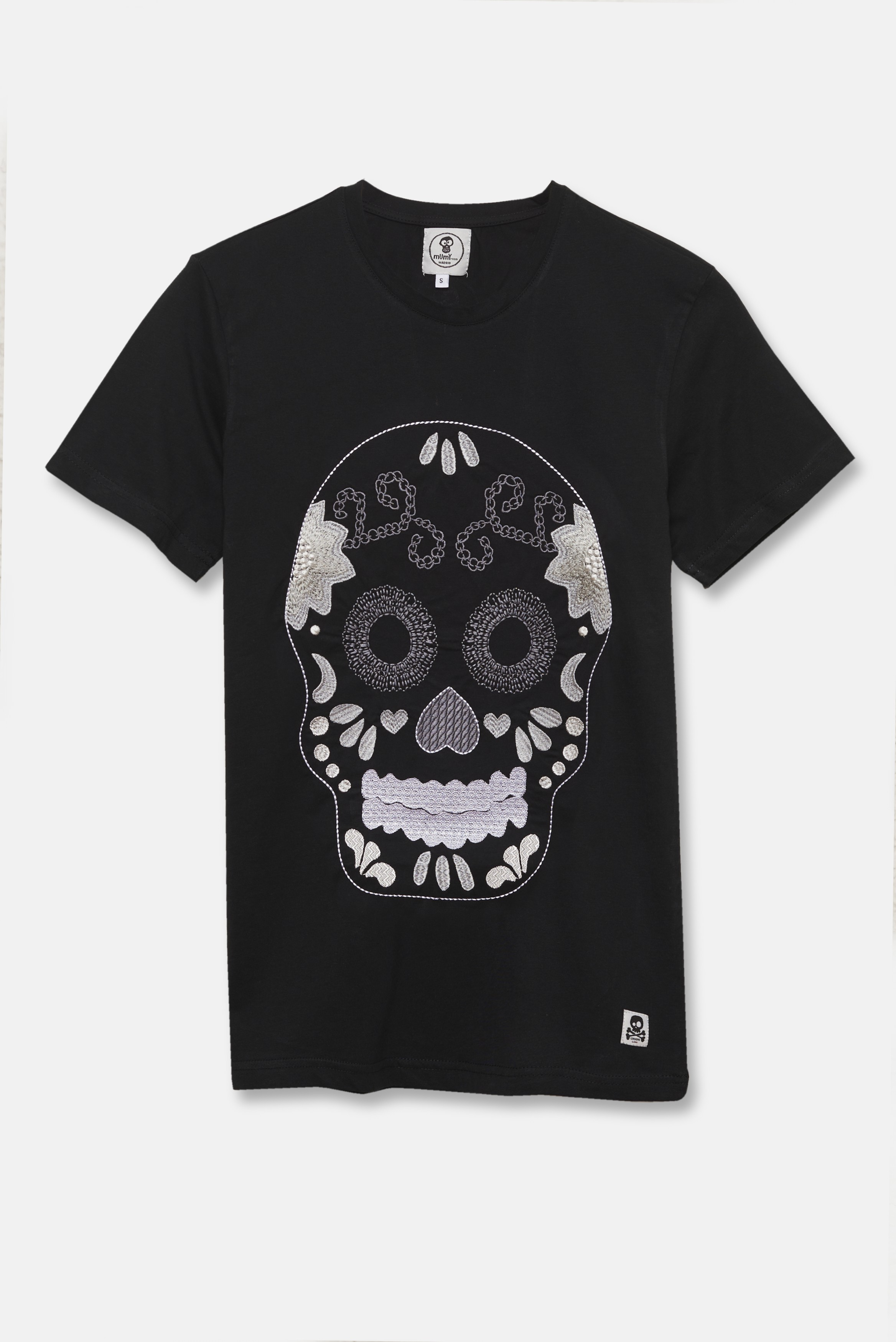 ADULT´S EMBROIDERED T-SHIRT SKULL AND FLOWERS IN BLACK